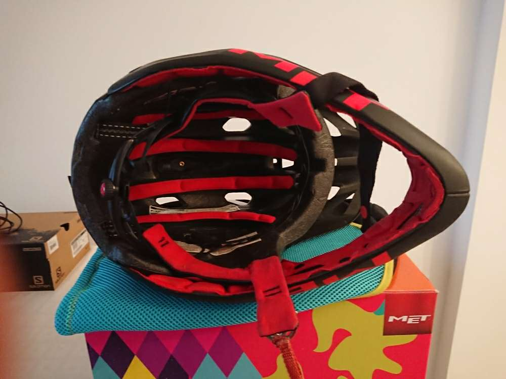 Imagen producto Casco Enduro MET Parachute HES 2