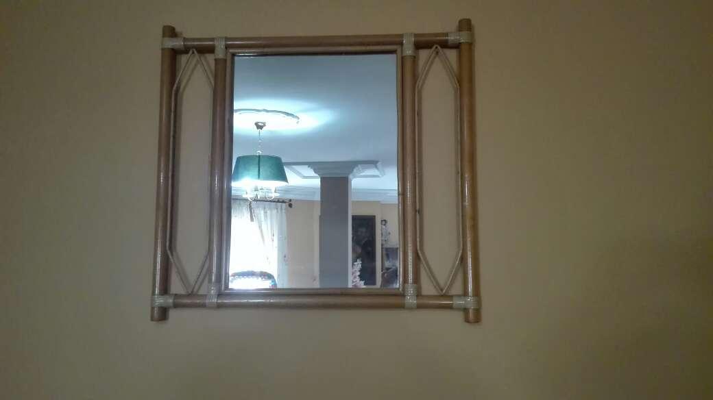 Imagen espejo de mimbre