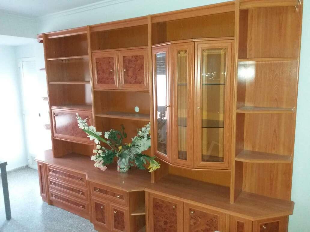 Imagen mueble salon 3,70m. chapa de madera natural. 400€. Se encuentra en Xeraco (Valencia)