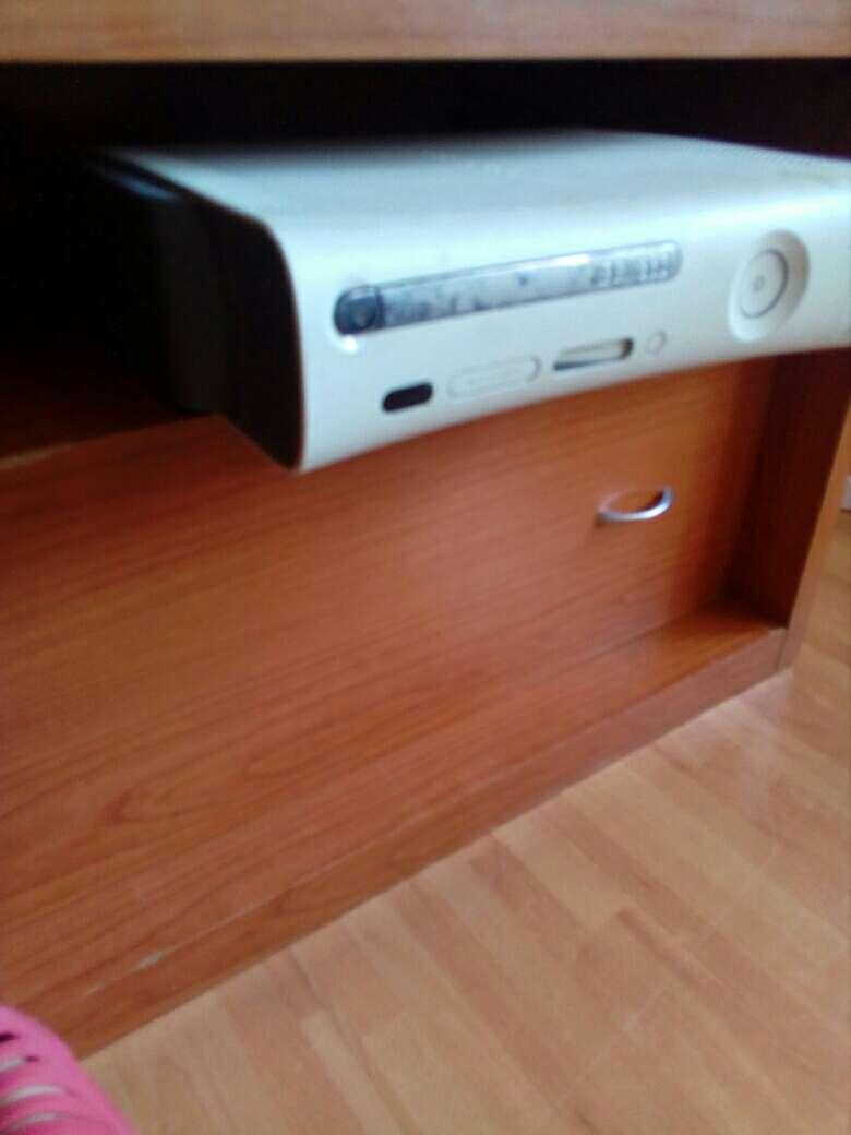 Imagen Xbox 360 con kinect y dos mandos