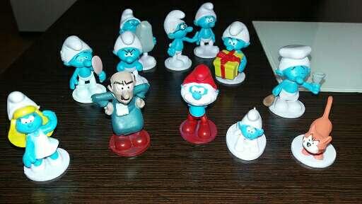Imagen set de 12 figuras de los pitufos