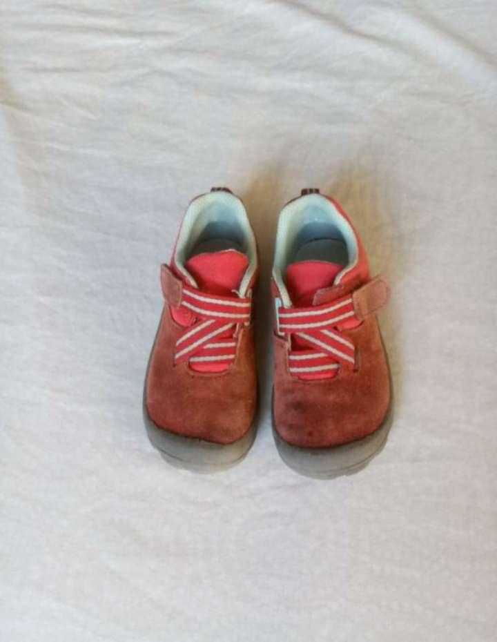 Imagen Zapatillas quechua talla 25