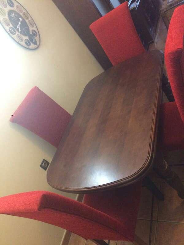 Imagen producto Conjunto de mesa y sillas de roble oscuro  3