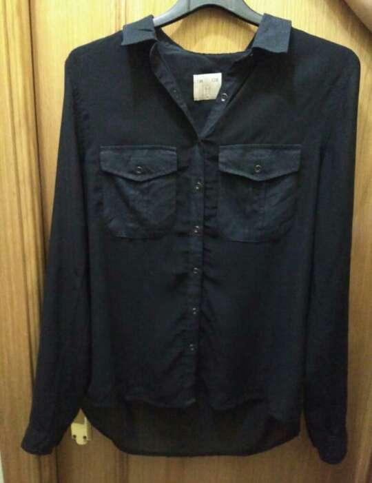 Imagen producto Camisa negra de la tienda lft de mujer talla M 1