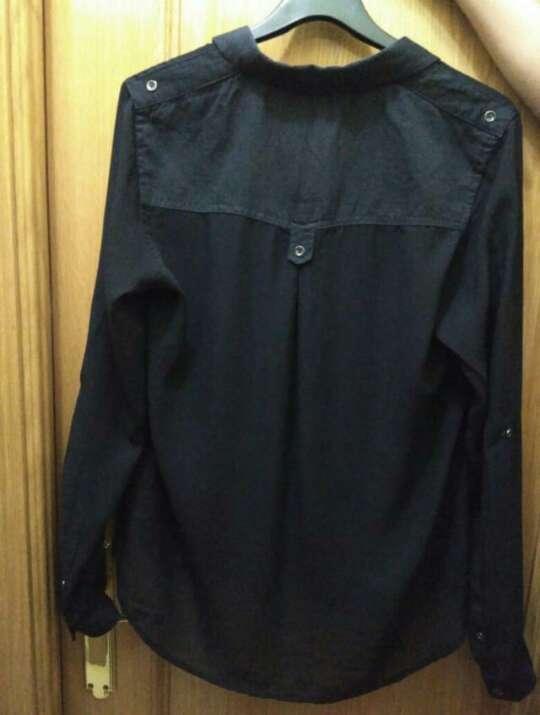Imagen producto Camisa negra de la tienda lft de mujer talla M 2
