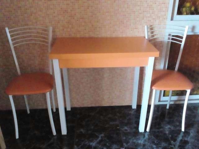 Imagen Mesa de cocina + 2 sillas