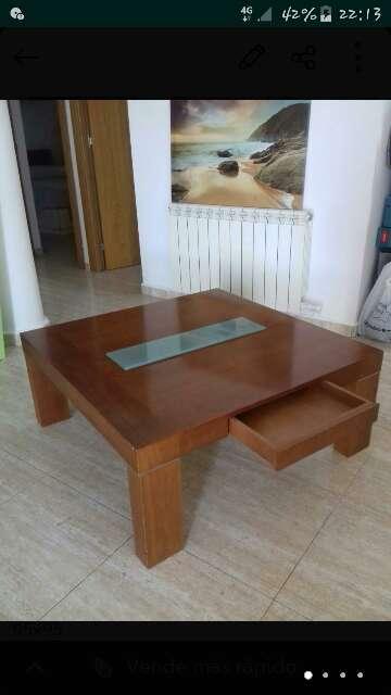 Imagen mesa baja madera maciza con cajon