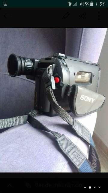 Imagen producto Videocámara Sony  Video Hi8 Handcam  2