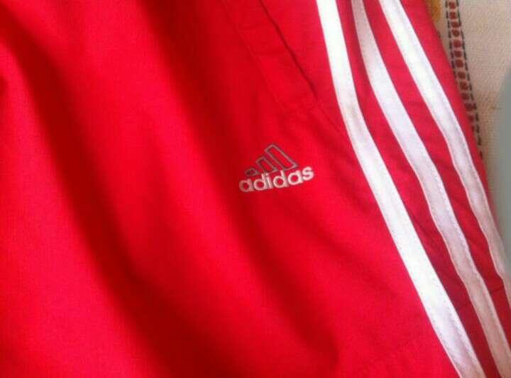 Imagen producto Pantalón Pirata Adidas Rojo 2