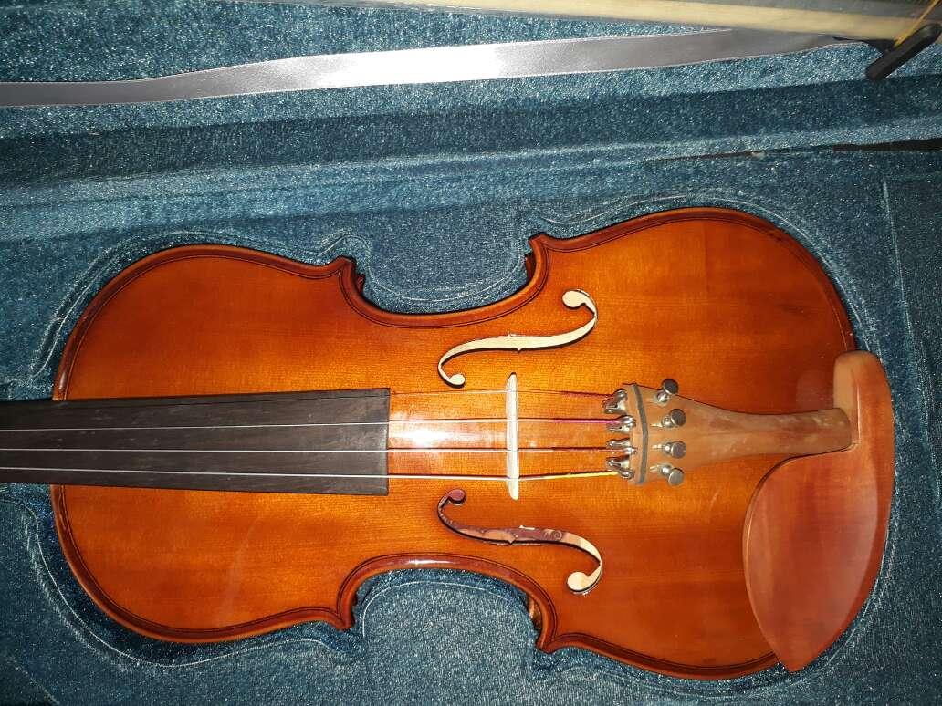Imagen violino eagle 4/4 E 3/4