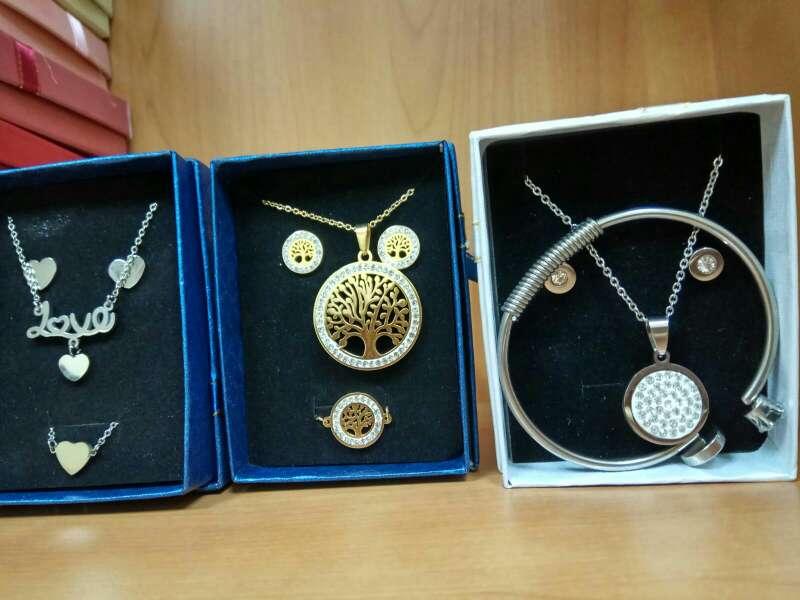 Imagen kit de joyas de acero inoxidable