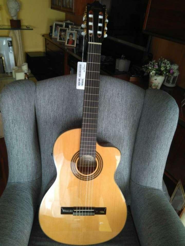 Imagen Guitarra electroclásica Ibanez