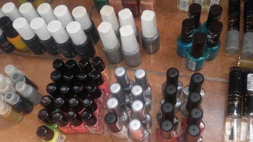Imagen Lote de productos de maquillaje