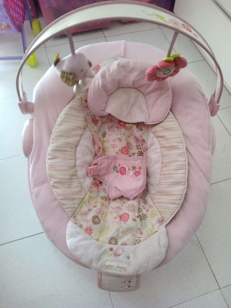 Imagen hamaca bebé rosa brigth stars