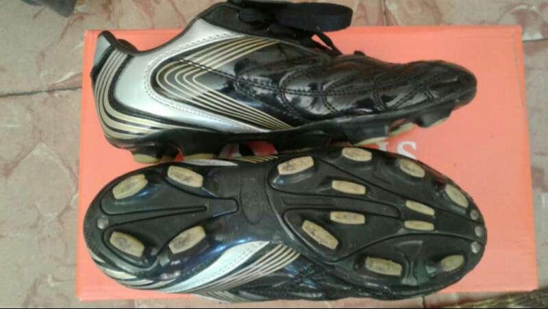 Imagen producto Zapatillas de fútbol  2