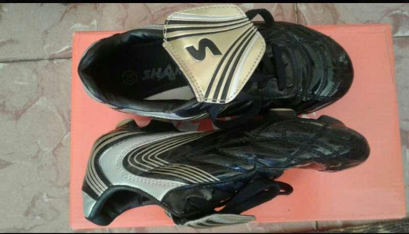 Imagen producto Zapatillas de fútbol  1
