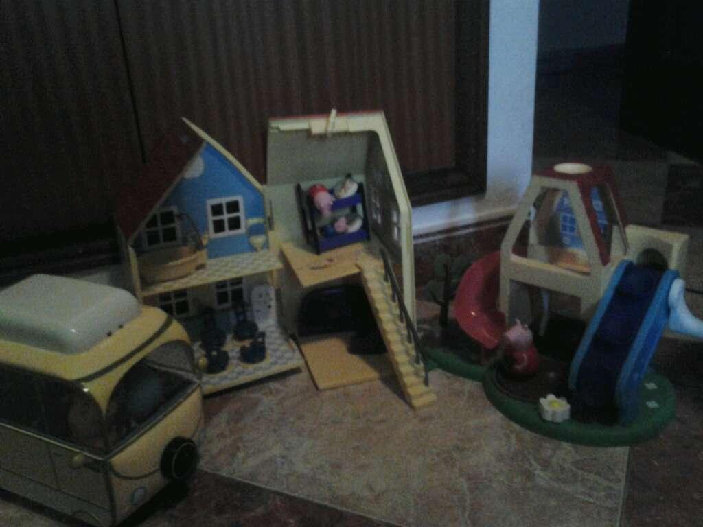 Imagen casa caravana y parque peppa pig
