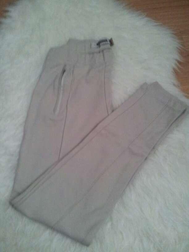 Imagen pantalon stradivarius