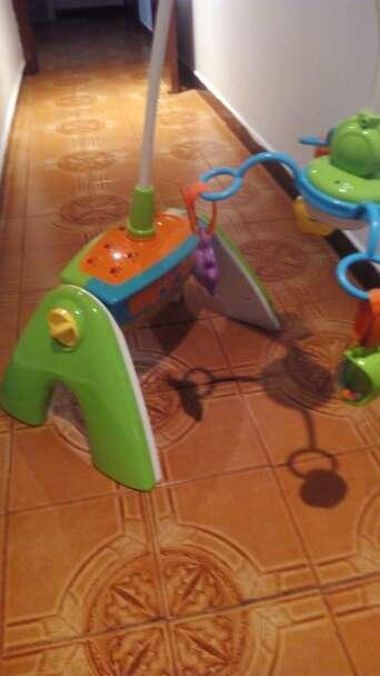 Imagen centro actividades para bebe 4 en 1
