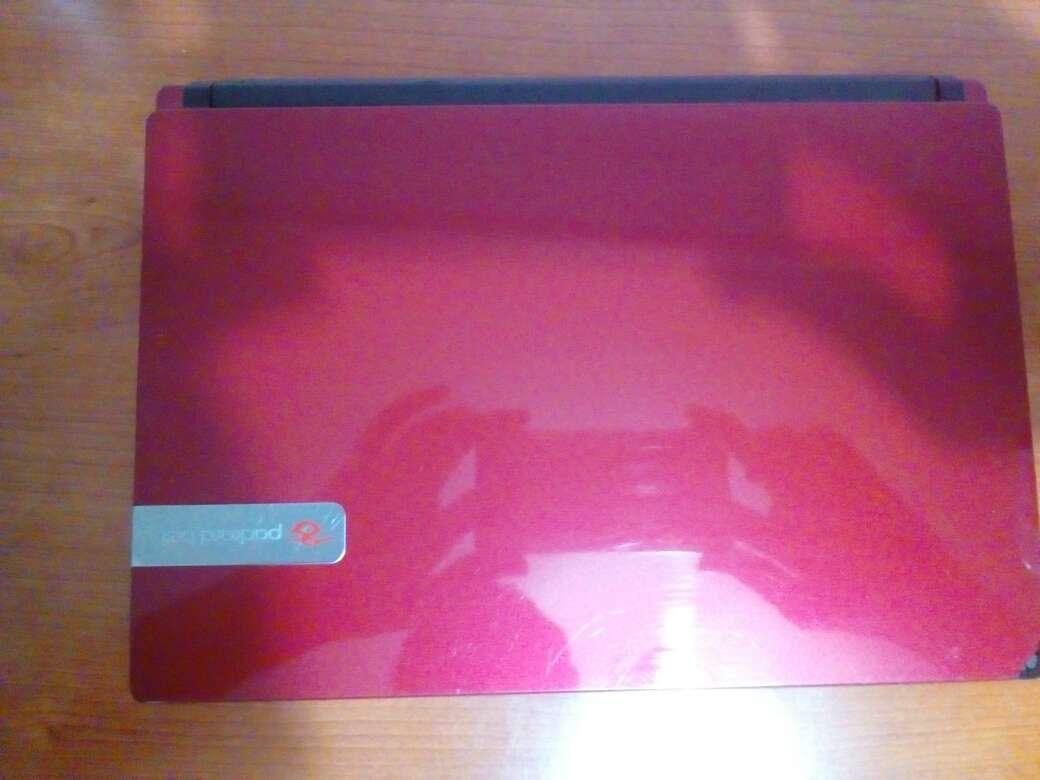 Imagen producto Portátil rojo 3