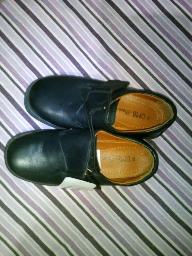 Imagen zapatos uniforme