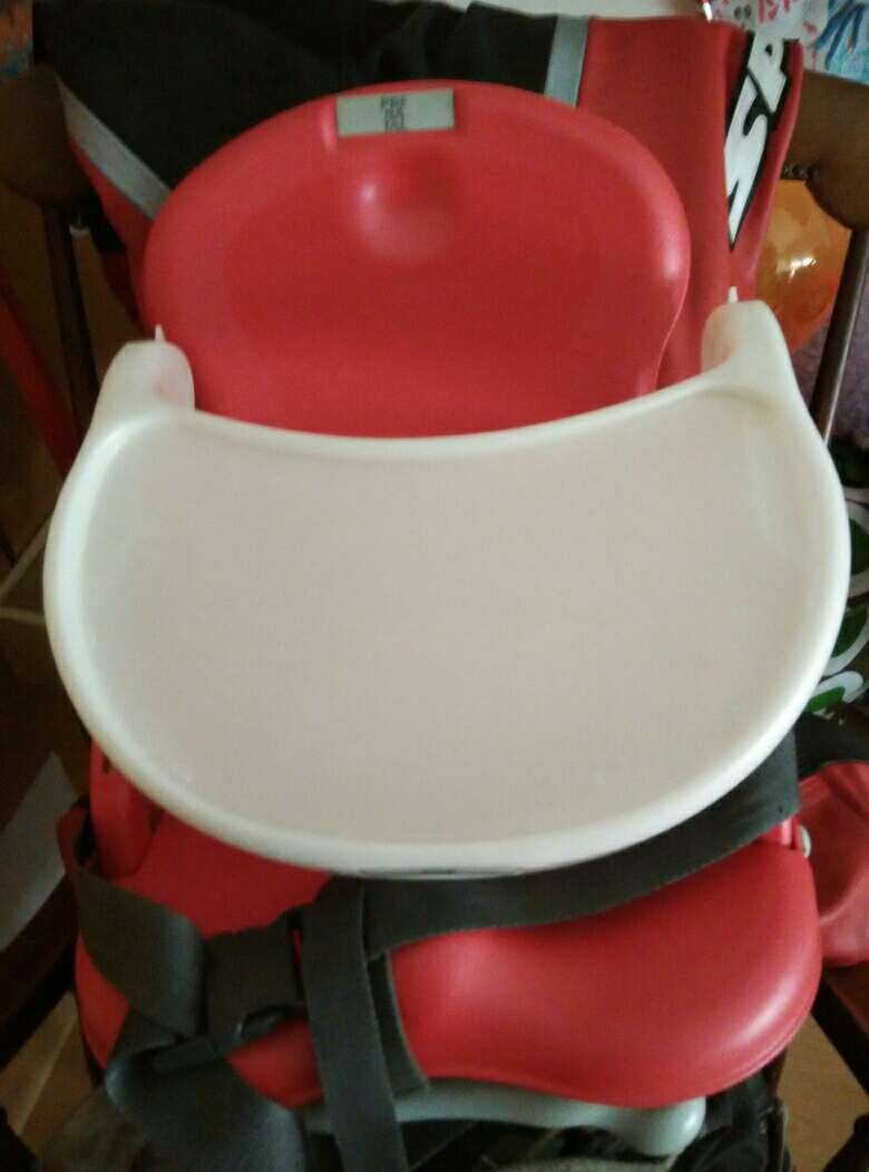 Imagen producto Silla plegable adaptable+bandeja. Urge vender 4