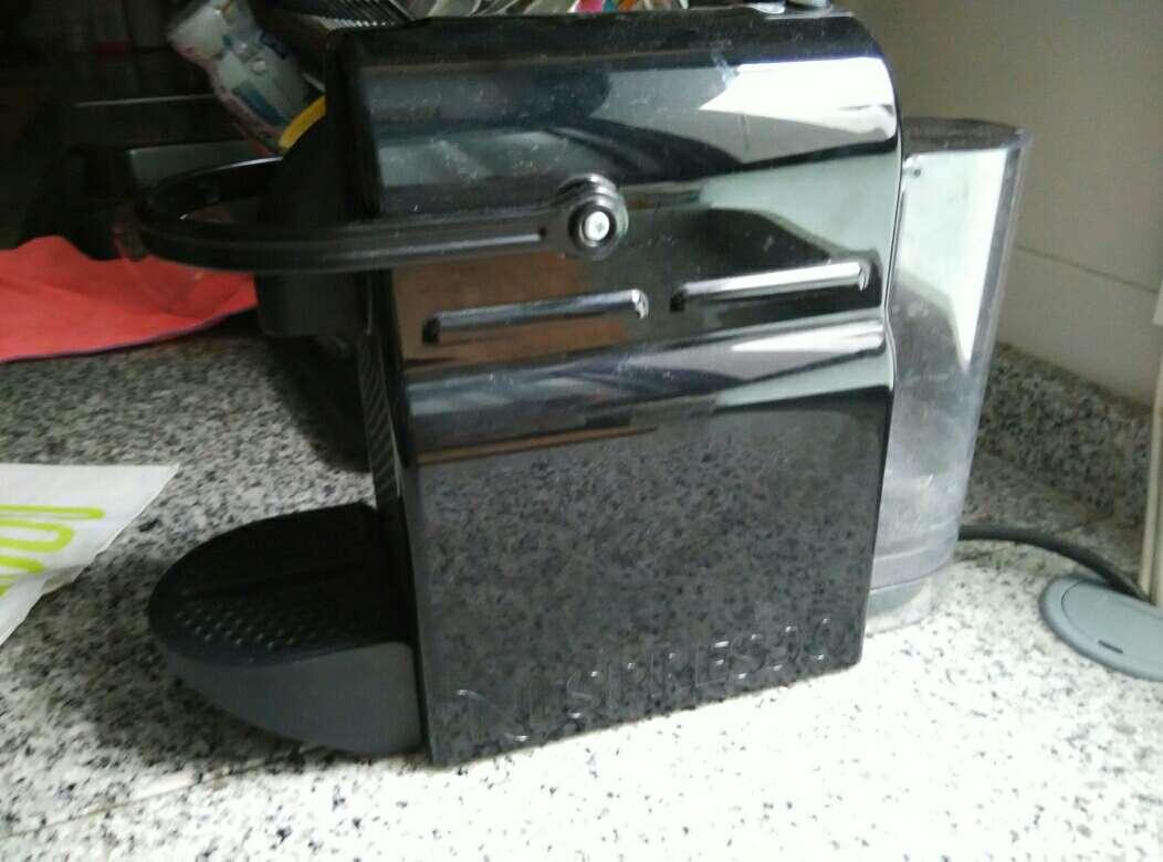 Imagen Cafetera Nespresso.Urge vender