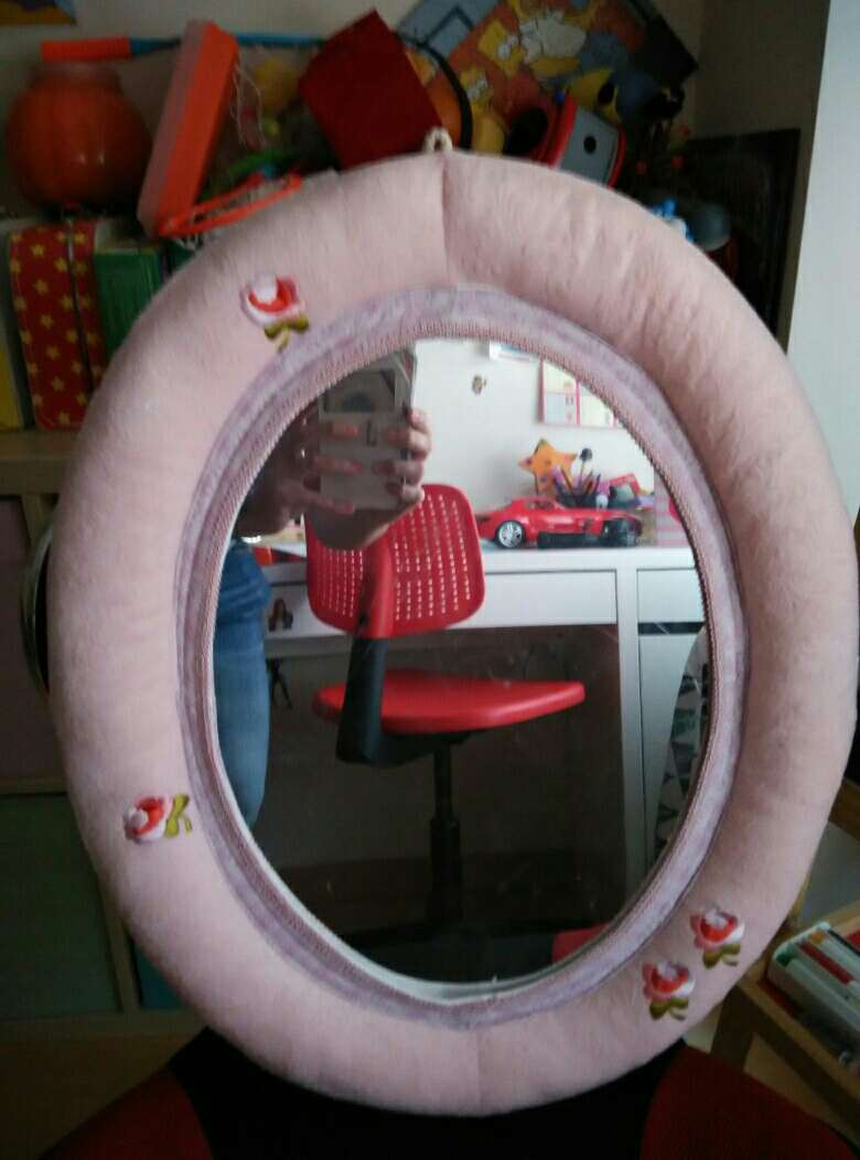 Imagen producto Espejo de niña. Urge vender 2
