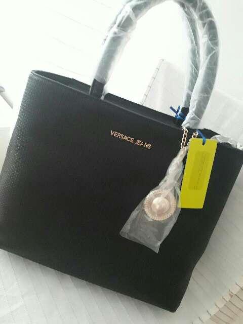 Imagen bolso negro de mujeres Versace Jeans