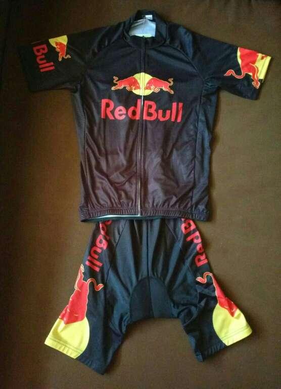 Imagen A estrenar maillot + cullote mod red bull