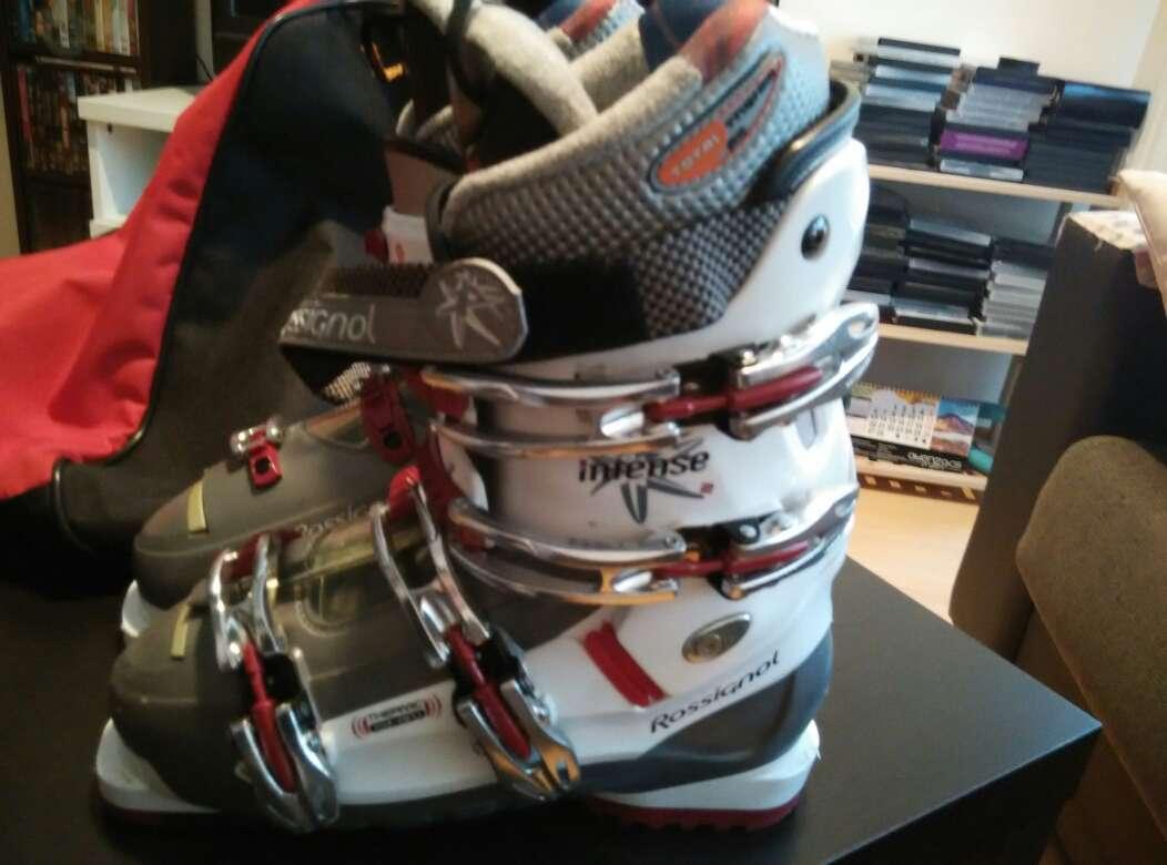 Imagen producto Botas de ski nuevas. Urge vender 3