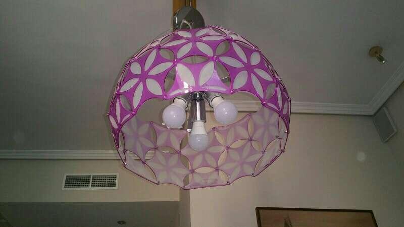 Imagen producto Lámpara rosa de techo 2