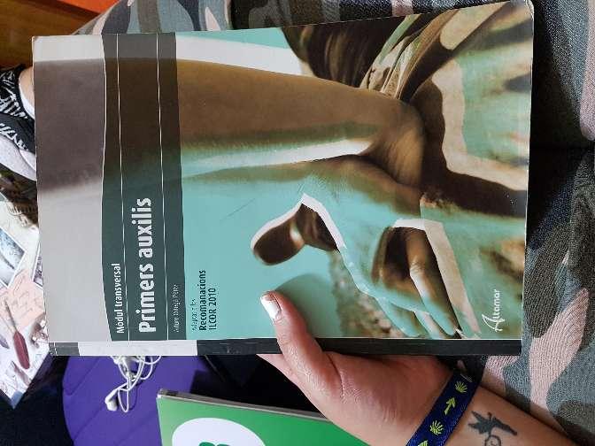 Imagen libro primers auxilis