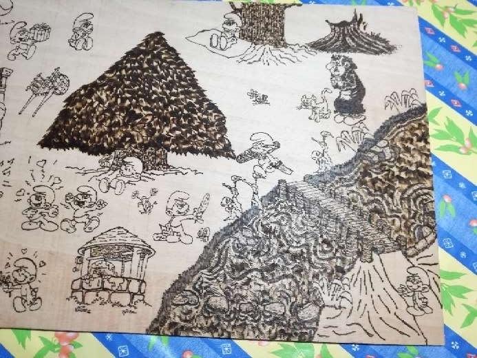 Imagen Pirograbado hecho a mano, de los pitufos