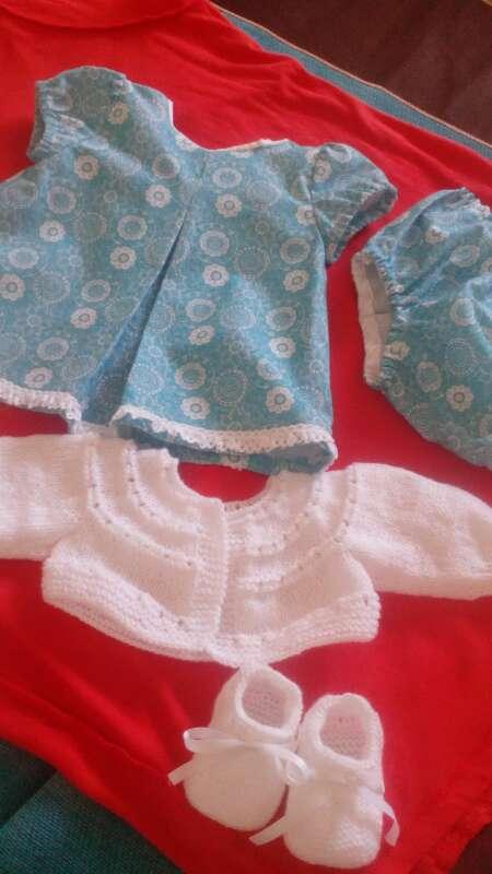 Imagen ropa para muñecos bebe