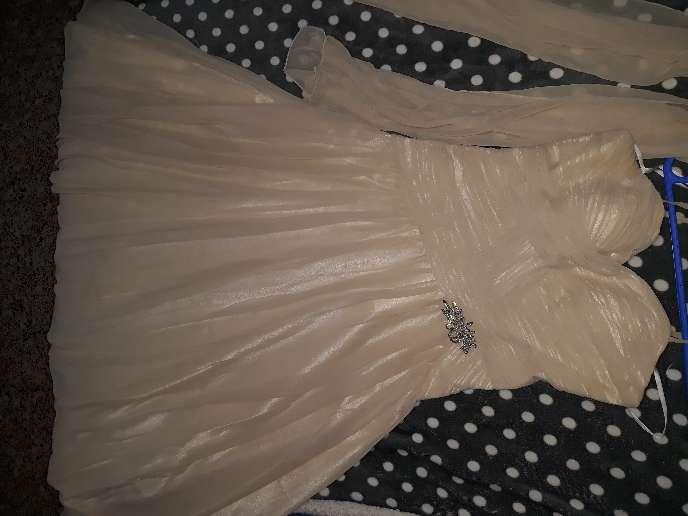 Imagen vestido de cóctel o novia
