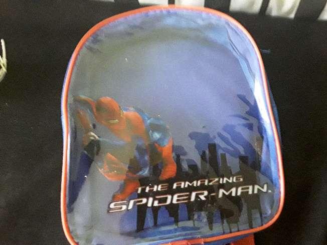 Imagen mochila de espiderman