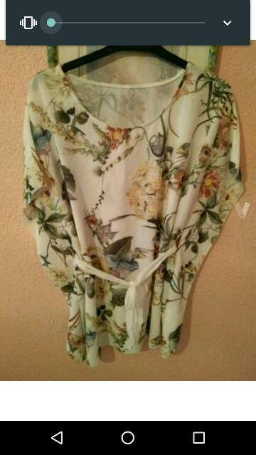 Imagen producto Blusa de flores 2