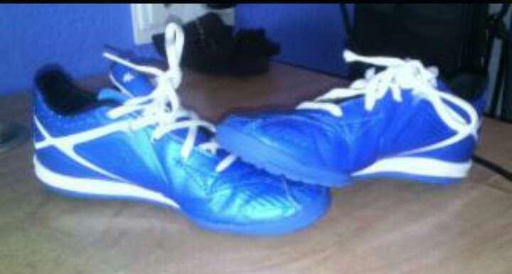 Imagen zapatos futbol