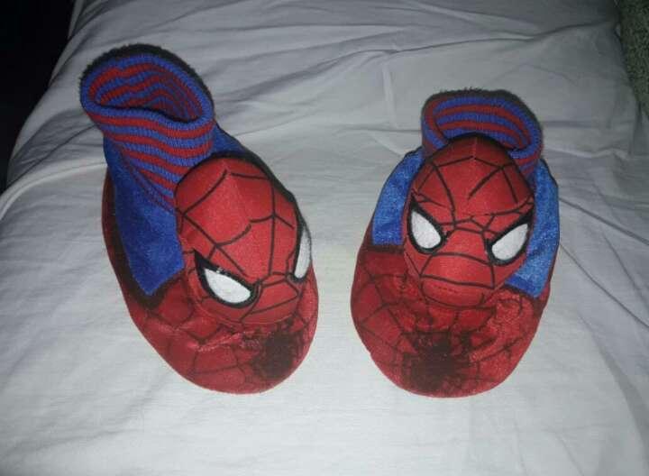 Imagen babuchas spiderman