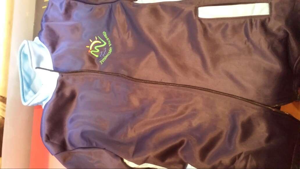 Imagen chaqueta de chandal fundacion victoria