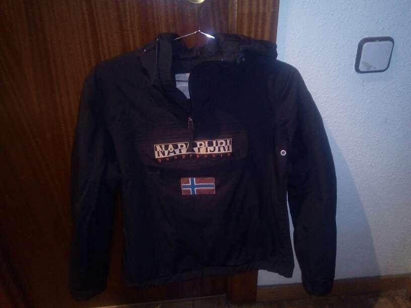 Imagen chaqueta napapijiri