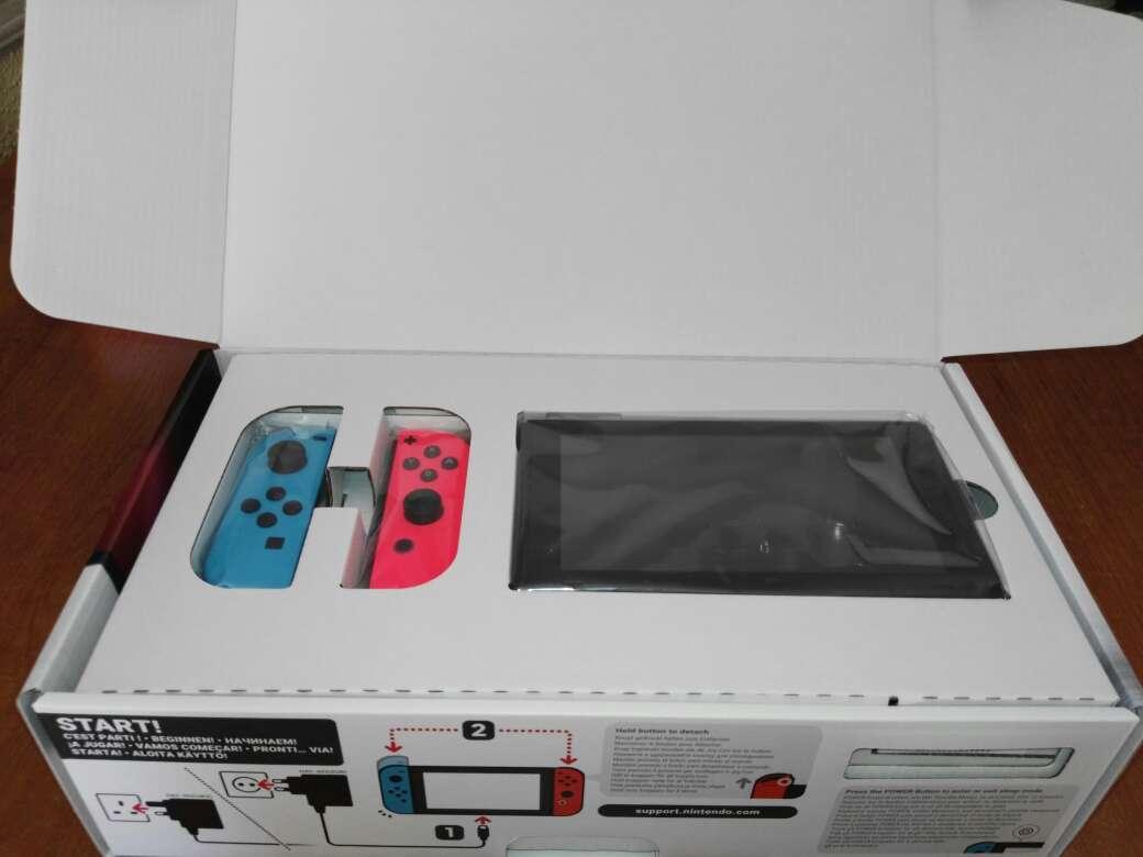Imagen producto Nintendo Switch Neón nueva 4