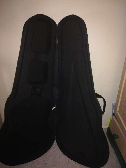 Imagen Guitarra Barata
