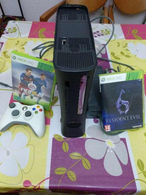 Imagen Xbox 360 + Mando + 2 Juegos