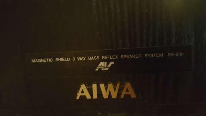 Imagen vendo varios altavoves 2 aiwa de 150w, 1 nenco de 70w, 2 onkyo de 70w, 2 aiwa de 60w. escucho ofertas.