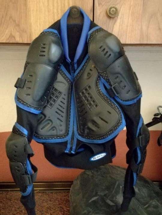 Imagen Peto de motocross marca jacket