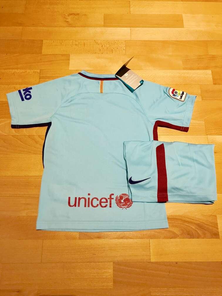 Imagen producto Equipación F. C. Barcelona 2017-2018 para niños (Segunda equipación) 3