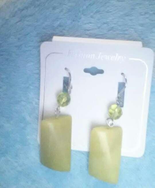 Imagen producto Pendientes piedra verde 3