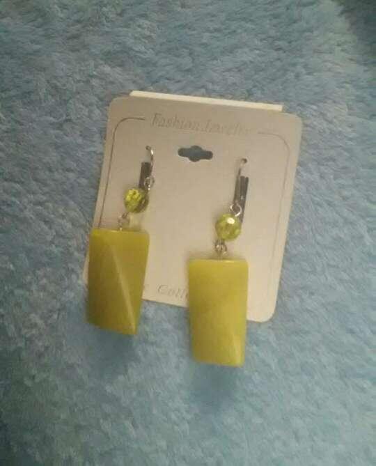 Imagen producto Pendientes piedra verde 2